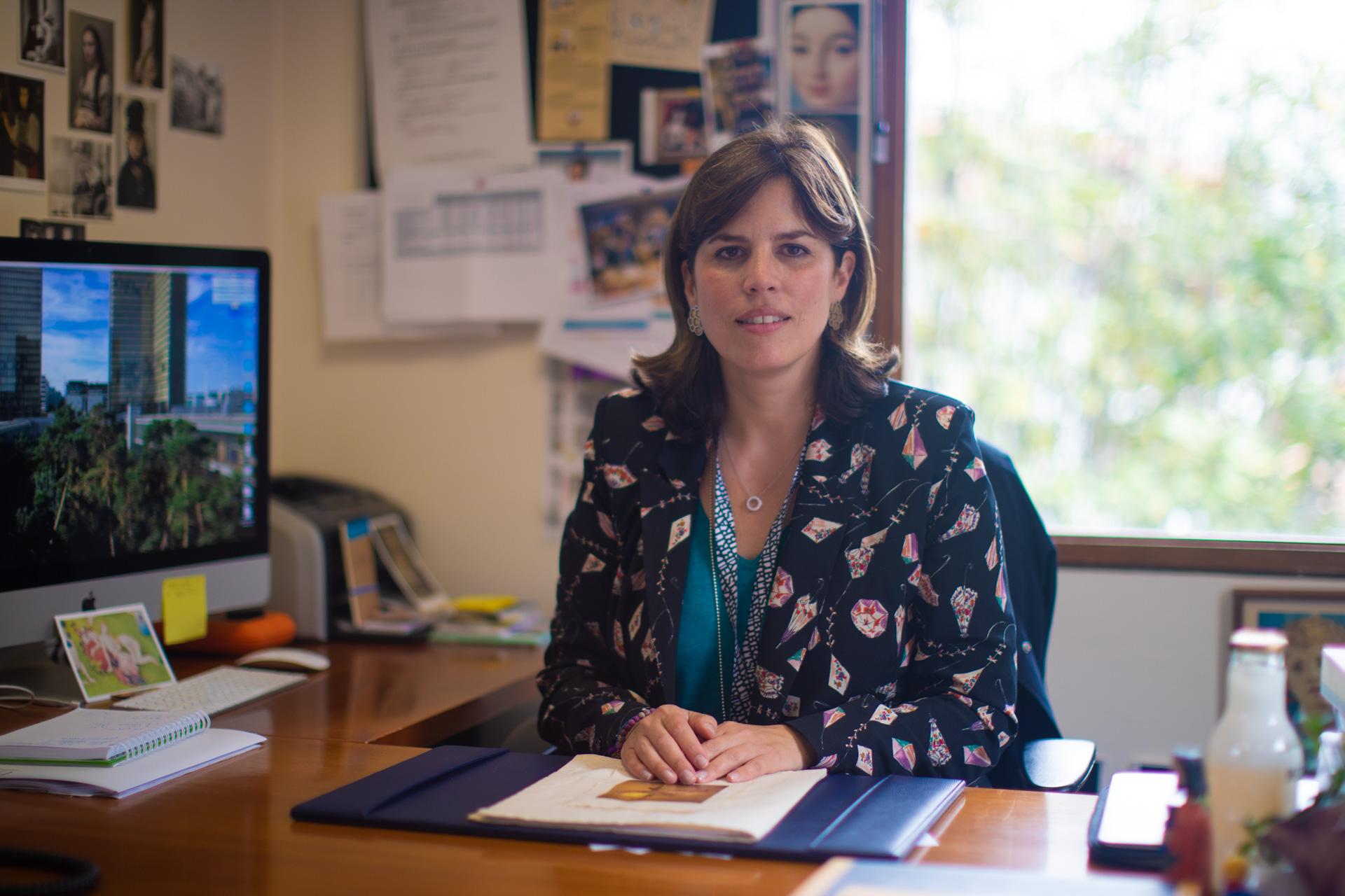 La Universidad de los Andes renueva a Patricia Zalamea como decana de Artes y Humanidades