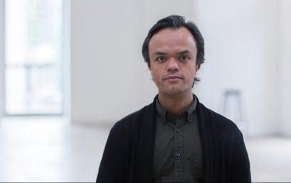 Santiago Forero, profesor de fotografía, gana beca para asistir a Vermont Studio Center