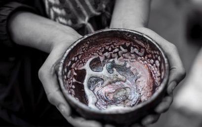 Rakú, quema de cerámica en la técnica tradicional oriental