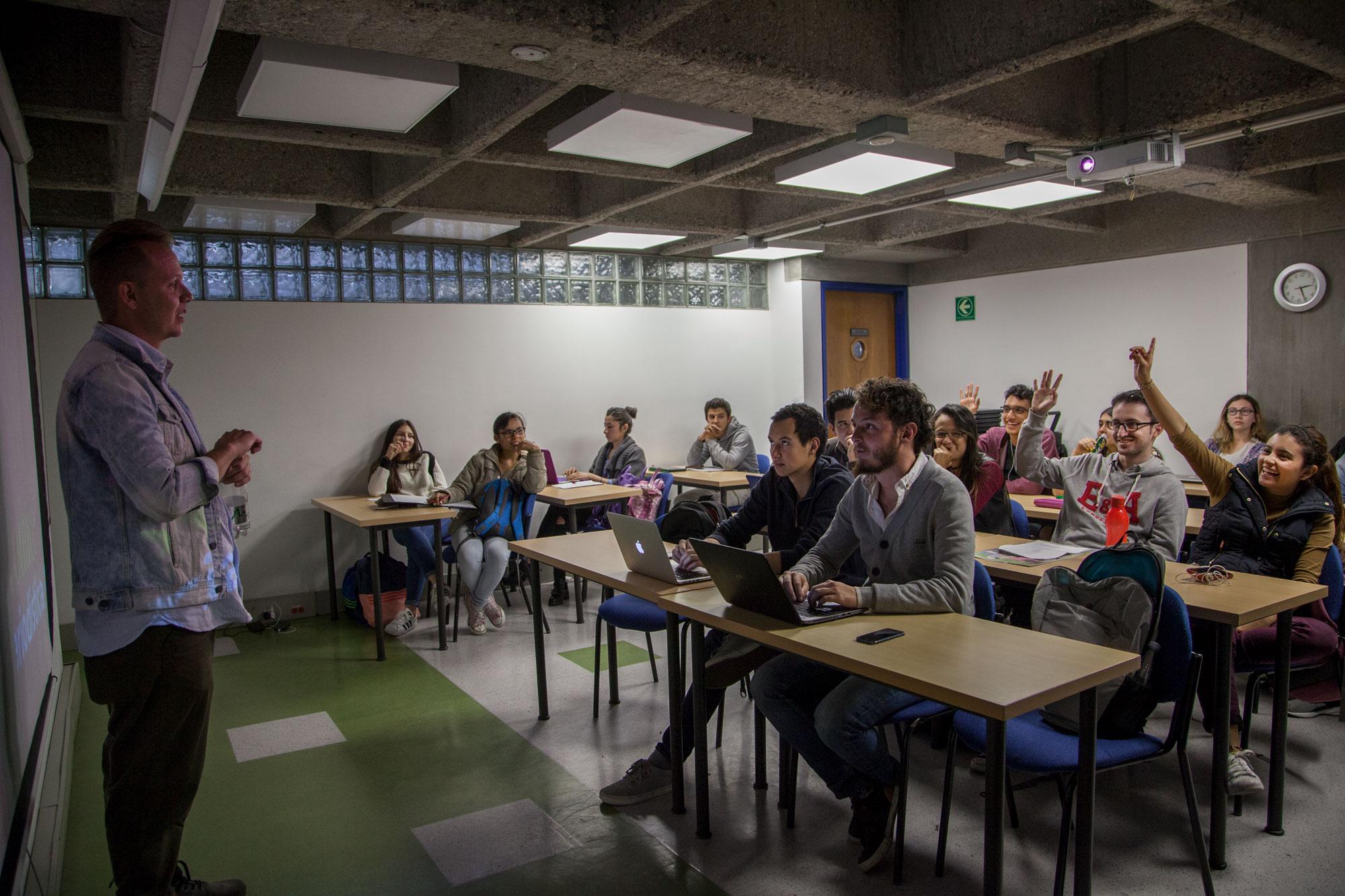 Convocatoria Periodismos latinoamericanos: sus relatos y prácticas