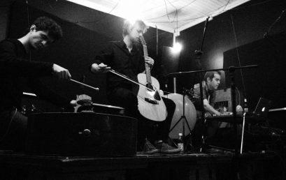 """Lanzamiento del disco """"Contrived"""" de Ricardo Arias, Santiago Botero y Kim Myhr"""