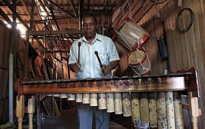 Música de marimba, cantos y bailes tradicionales de la región colombiana del Pacífico sur y de la provincia ecuatoriana de Esmeraldas