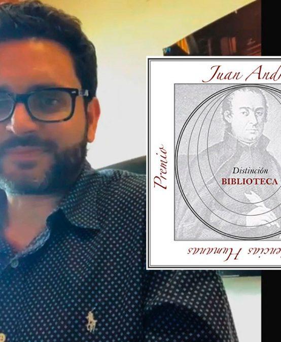 Entrevista con Sebastián Pineda, egresado de Literatura y ganador del XII Premio Juan Andrés de Ensayo